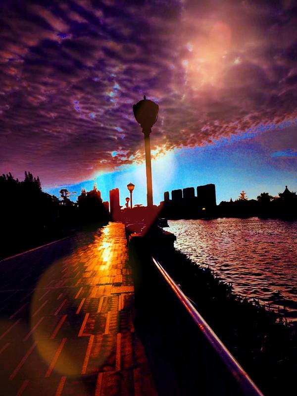 时空门——拍摄于涟水县五岛湖公园.jpg